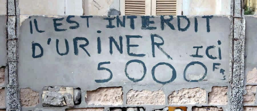 Interdit d'uriner ici